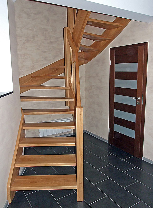 holztreppen aus polen g nstige treppen nach ma preis treppe 5. Black Bedroom Furniture Sets. Home Design Ideas